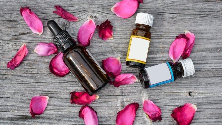 Olejki eteryczne są tanie, naturalne i ładnie pachną (fot. pixabay)