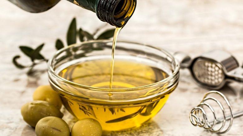 Zrównoważona dieta wymaga spożywania różnorodnych tłuszczów w odpowiednich ilościach (fot. pixabay)