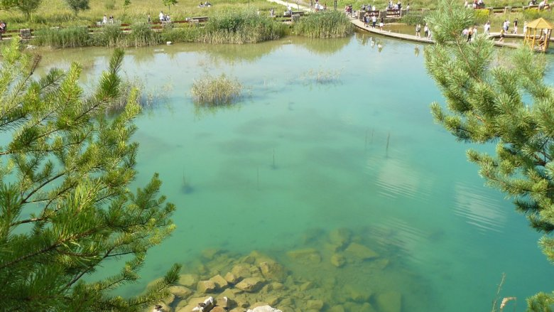 Czysta lazurowa woda zachwyci niejednego odwiedzającego (fot. mat. Agnieszka Mróz/SilesiaDzieci.pl)