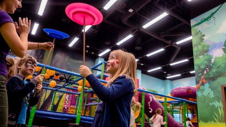 9 listopada nastąpi otwarcie Jamy Bazyliszka - miejsca gier zabaw, aktywnej rekreacji i rodzinnego relaksu (fot. mat. Legendii)