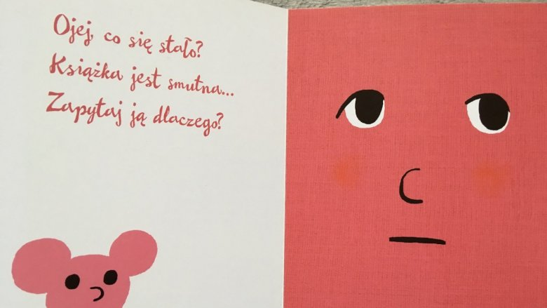"""Bohaterką książki """"Zaśnij ze mną"""" jest... ona sama! Książeczka czasem jest smutna... (fot. Ewelina Zielińska/SilesiaDzieci.pl)"""
