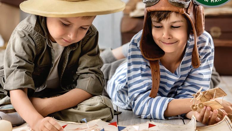 Na zajęciach plastycznych dzieci zrobią naszyjniki lei, które będą wyplatane z roślin (fot. mat. organizatora)