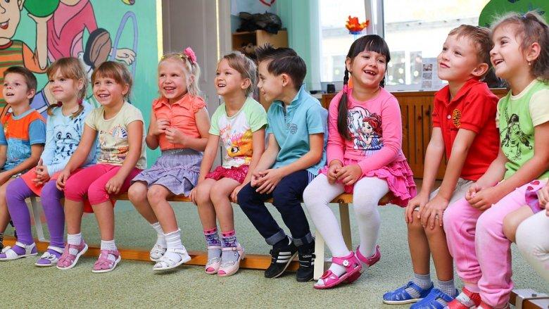 W przypadku, gdy dziecko powyżej 3. roku życia nie dostanie się do przedszkola, gmina musi wskazać placówkę, do którego zostanie przyjęte (fot. pixabay)