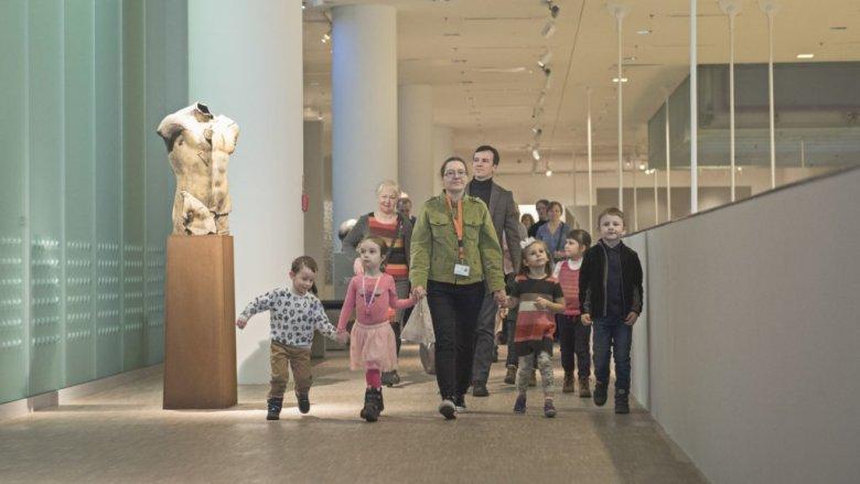 Dzieci spróbują policzyć psy na muzealnych obrazach (fot. mat. organizatora)