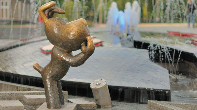 W Bielsku-Białej znajduje się pomnik Reksia, Bolka i Lolka, a już niebawem stanie rzeźba Pampaliniego (fot. Lucjusz Cykarski/UM Bielsko-Biała)