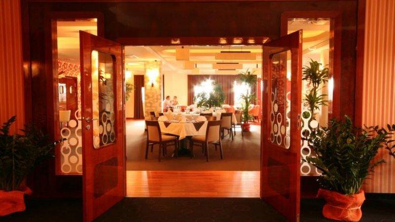 Podczas gdy dzieci będą bawić się na balu, rodzice zjedzą romantyczną kolację w Restauracji Styl 70 (fot. mat. Restauracji)