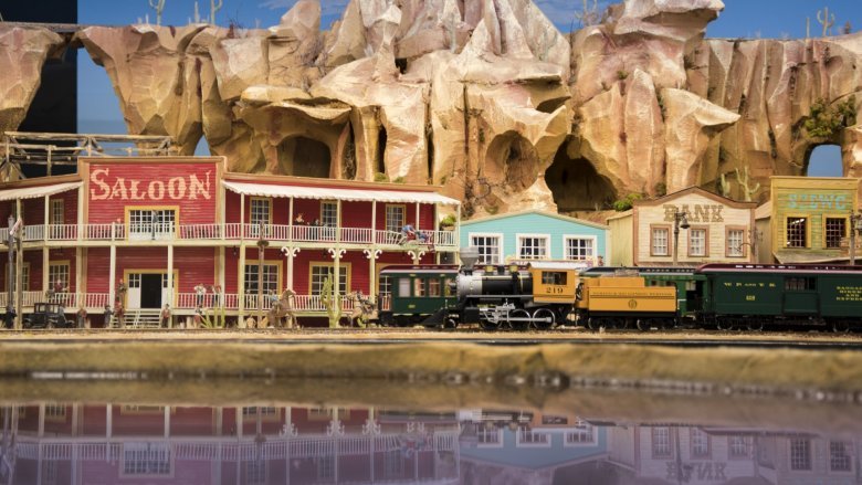 W miniaturowym świecie odnajdziemy 12 pociągów (fot. mat. organizatora)