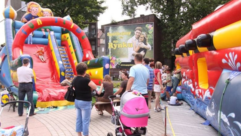 W każdą sobotę aż do końca czerwca na siemianowickim rynku będzie czekać na dzieci wiele atrakcji (fot. mat. siemianowice.pl)