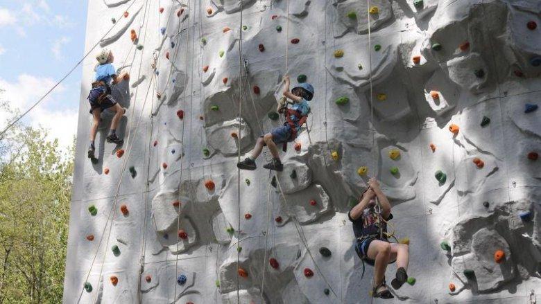 Dzieciaki będą mogły poćwiczyć bezpieczne wspinanie (fot. mat. Fb Ścianka Wspinaczkowa Park Zielona)