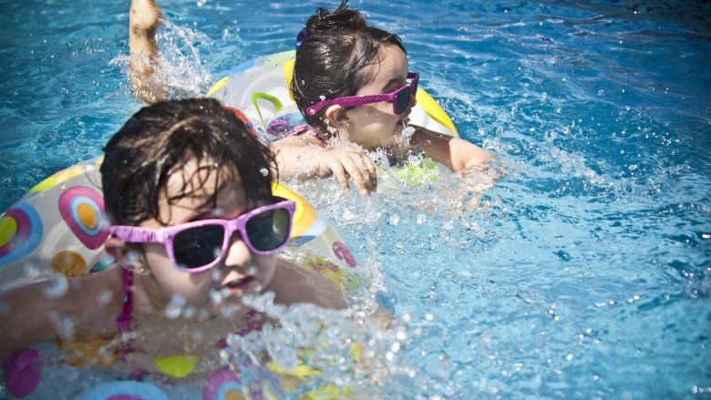Dzieci i młodzież z Dąbrowy Górniczej będą mieć 2 godziny basenu za darmo (fot. mat. pixabay)