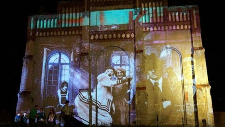 Podczas zajęć w Muzeum Śląski dzieci poznają genezę powstania filmu (fot. mat. redakcja Silesia Dzieci)