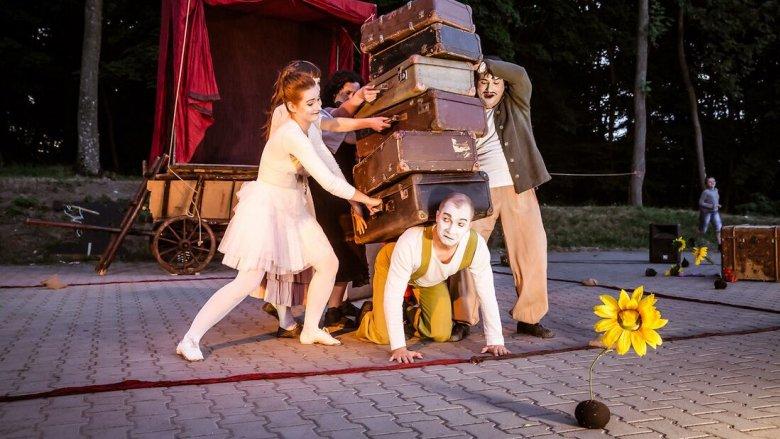 """Teatr Mimo """"Komedianci"""" (fot. Kasia Chmura)"""