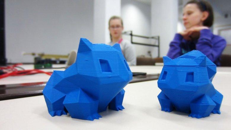 """Podczas cyklu zajęć """"Jak drukować w 3D"""" zaprojektują i wydrukują swój własny trójwymiarowy model (fot. Unibot)"""