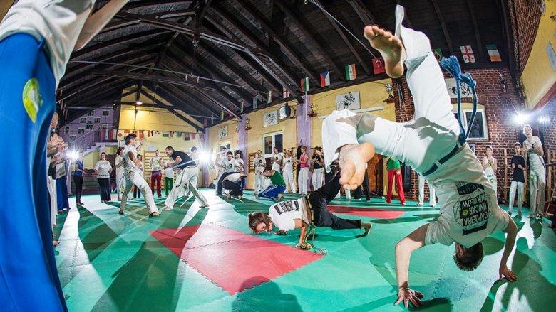 Wielu emocji w sobotę na mikołowskim rynku zapewni Grupa Capoeira Unicar Mikołów (fot. archiwum zdjęć grupy na Fb)