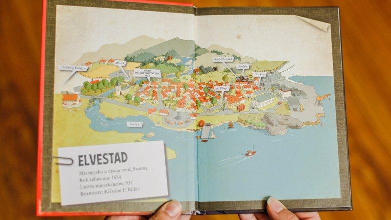 Na początku książki możemy poznać miasteczko oraz bohaterów przygody (fot. Ewelina Zielińska)