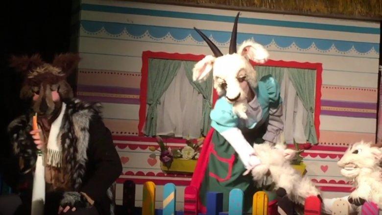 Teatr Żelazny przedstawił bohaterów baśni braci Grimm w nieco innej, humorystycznej wersji (fot. mat. organizatora)
