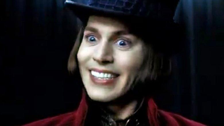 W rolę Willy Wonki, właściciela fabryki czekolady, wcielił się John Deep (fot. kadr/zwiastun filmu na YouTube)