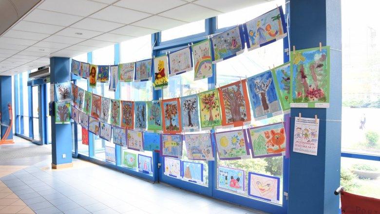 Rysunki dzieci ozdobiły katowicki szpital (fot. mat. prasowe)