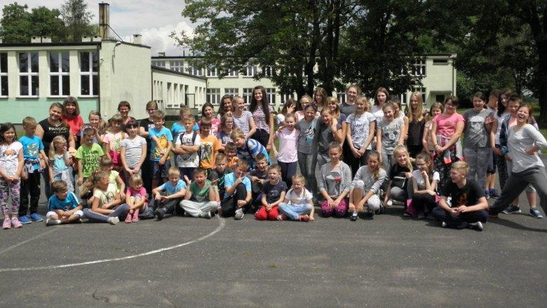 Tak bawili się uczestnicy poprzedniej edycji wakacyjnych zajęć organizowanych przez Fundację Szafa Gra (fot. mat. organizatora)