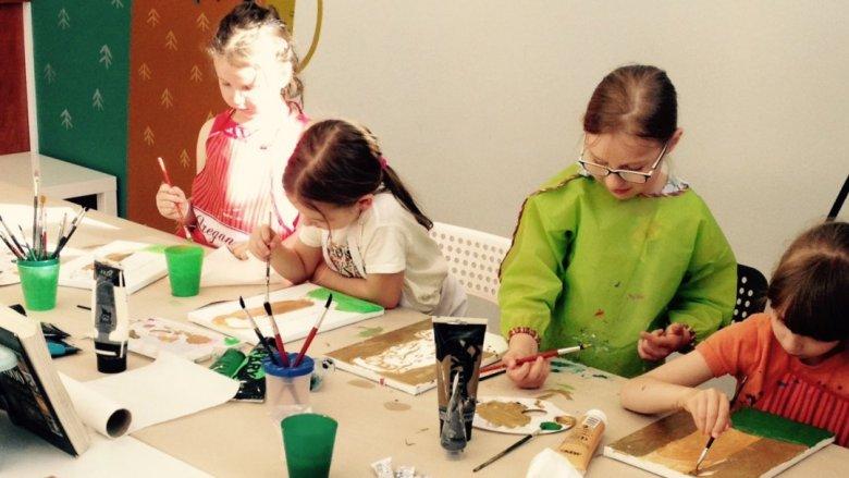 Warsztaty artystyczne prowadzone w Gryfnym Graniu skierowane są do dzieci od lat 7 (fot. mat. organizatora)