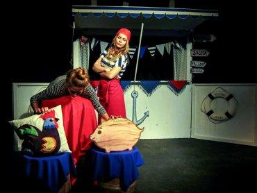 """Współczesną wersję """"Złotej Rybki"""" zobaczycie w Teatrze Żelaznym (fot. Teatr Żelazny)"""