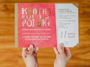 """Kreatywna książeczka to świetne uzupełnienie wcześniejszej """"Krótkiej historii Polski"""" (fot. Ewelina Zielińska)"""