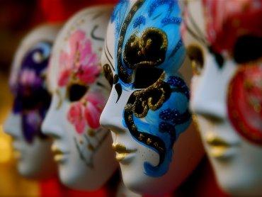 Co karnawałowe bale łączy z teatrem dowiecie się na warsztatach w Muzeum Śląskim (fot. foter.com)
