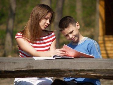 W nowych okolicznościach wsparcie rodziców jest szczególnie ważne (fot. sxc.hu)