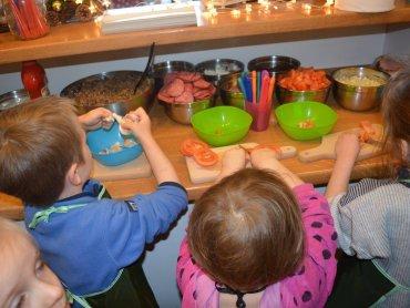 W Zapiekarniku dzieci stworzą pyszne zapiekanki (fot. mat. FB Piaskownica Kulturalna)