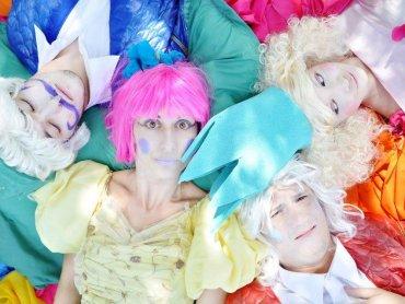 Ten pełen kolorów spektakl umili widzom czas ferii (fot. mat. organizatora)