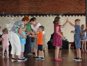 Tańce i zabawy ludowe to temat warsztatów w Muzeum Miejskim w Tychach (fot. FB Muzeum Miejskie w Tychach)