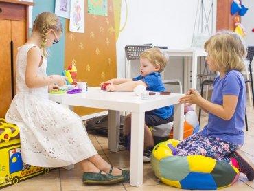 W Gryfnym Graniu dzieci mogą liczyć na pomoc przy odrabianiu lekcji (fot. mat. Gryfne Granie)