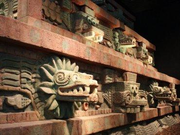Jaka była kultura prekolumbijska dowiedzą się goście Klubu Południk (fot. Maria Lipok-Bierwiaczonek)