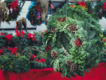 Na I Giszowieckim Jarmarku Świątecznym nie zabraknie tradycyjnych, regionalnych wyrobów i ozdób (fot. foter.com)