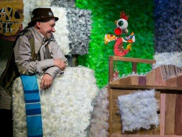 """""""Bajka o szczęściu"""" to historia z głębokim morałem (fot. Teatr Banialuka)"""