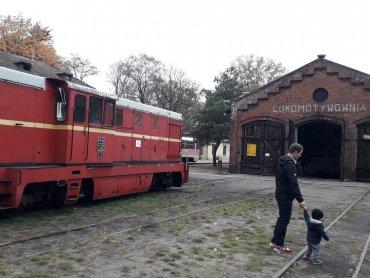 Rozkład jazdy wąskotorówki w Rudach znajdziecie na stronie kolejkarudy.pl (fot. Agnieszka Mróz/SilesiaDzieci.pl)