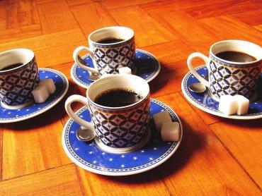 Klub Mamuśki to spotkania przy kawie, które pozwolą Wam spojrzeć na macierzyństwo z innej strony (fot. foter. com)