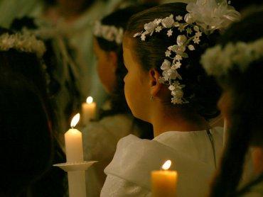 Komunia to wydarzenie duchowe, ale też wiele wydatków (fot. sxc.hu)