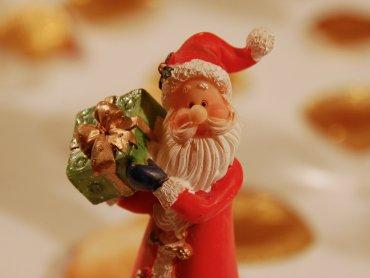 Skąd Święty Mikołaj bierze prezenty dowiedzą się widzowie Teatru Gry i Ludzie (fot. foter.com)