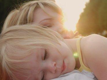 Tematem najbliższego spotkania Szkoły dla Rodziców będą uczucia dziecka (fot. foter.com)