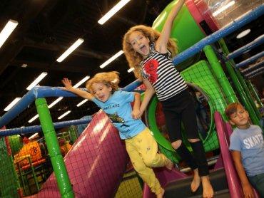 Jama Bazyliszka to miejsce gier, zabaw, aktywnej rekreacji i rodzinnego relaksu (fot. mat. Legendii)