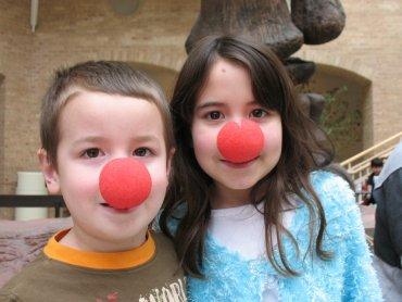 Fundacja Doktor Clown poszukuje wolontariuszy do pracy z dziećmi (fot. foter.com)