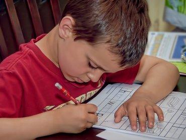 O tym jak wspierać dziecko w nauce dowiecie się na spotkaniu w Biblioforum (fot. foter.com)