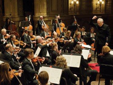 Dzięki tematycznym koncertom dzieci poznają instrumenty, z których składa się orkiestra symfoniczna (fot. foter.com)