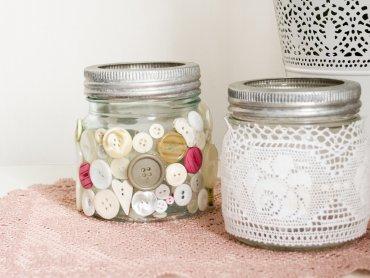 Świąteczne lampiony zrobione w Mamince będą piękną ozdobą stołu (fot. foter.com)