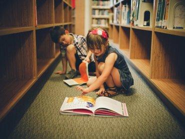 Klub Młodego Dąbrowianina to bezpłatne zajęcia organizowane w bibliotece (fot. foter.com)