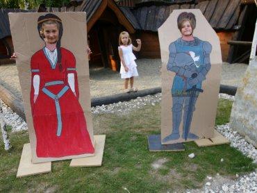 W najbliższy weekend w Warowni Pszczyńskich Rycerzy dzieci będą mogły zostać rycerzami i księżniczkami (fot. mat. organizatora)