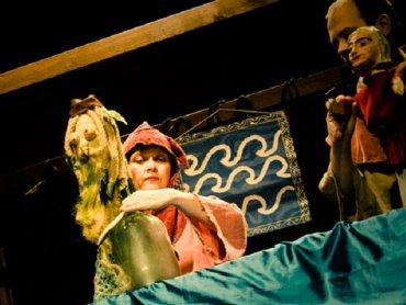 """""""Opowieści Wagantów"""" to inspirowane średniowiecznymi przedstawieniami adaptacje baśni braci Grimm (fot. mat. Teatr Gry i Ludzie)"""