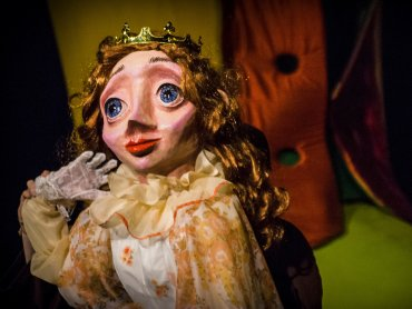 Spektakl inspirowany klasyczną baśnią zobaczycie 5 listopada w Teatrze Gry i Ludzie (fot. mat. Teatr Gry i Ludzie)