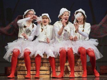 """""""A niech to gęś kopnie"""" to spektakl Teatru Fik-Mik z Domu Kultury w Rybniku Boguszowicach (fot. z arch. DK Boguszowice)"""